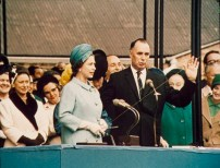 02-hm-the-queen-launches-qe2